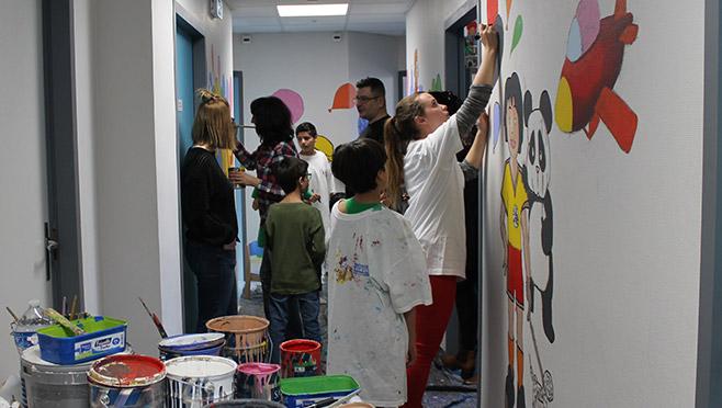 CAMSP : une fresque pour réunir les familles des patients